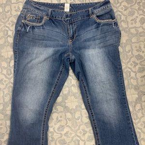 MAURICES SIZE 18 crops Capri jean pants
